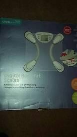 Lloyds pharmacy digital body fat scales