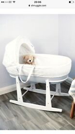 Shnuggle Moses basket with rocking stand