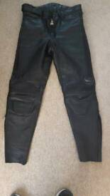 bike leather trousers 07486364619
