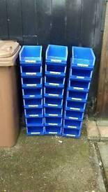 24 plastic trays