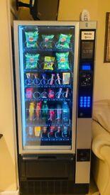 Cold drink snaks vending machine