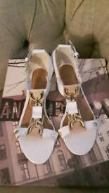 RIVER ISLAND LEATHER GORG SANDKES/ SHOES SIZE 7