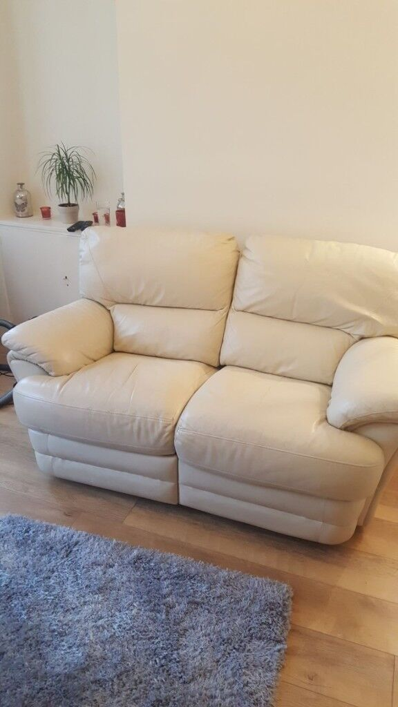 2 Seater Cream Leather Recliner Sofa Very Good Condition