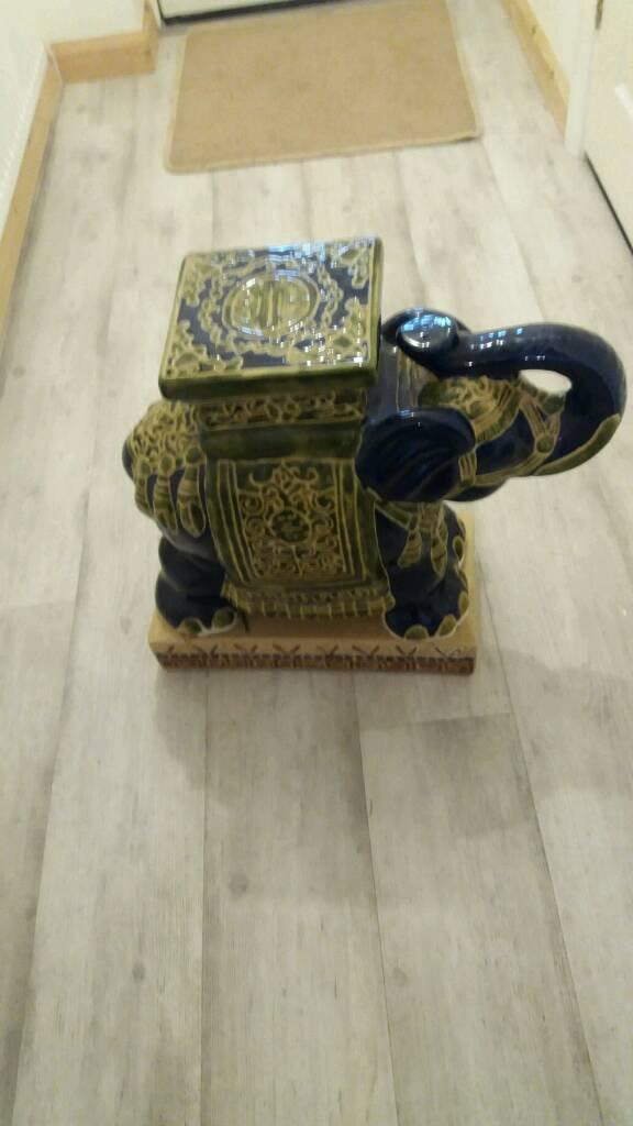 Large pot elephant
