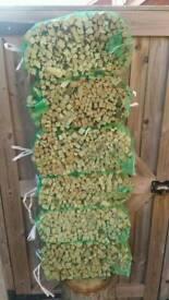 22 kg of dry kindling