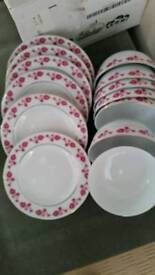 Brand new 7 chinese bowls and plates