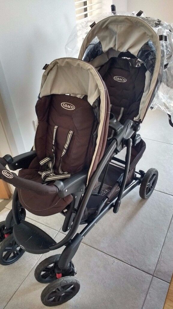 Graco Quattro Sport Double Pram includes basket underneath, raincover and other accessories