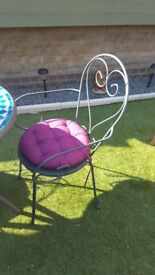 2 seater garden table and chaits