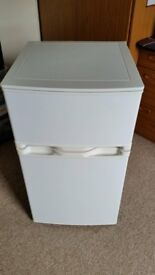 Fridge freezer AUCFF4885W