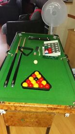 Realistic 4ft childs snooker/pool table.