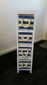 3 sets of striped 4 drawers