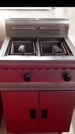 COMMERCIAL DOUBLE FRYER £225 NEEDS THERMOSTAT