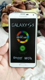 Samsung Galaxy S5 White Unlocked Excellent Condition