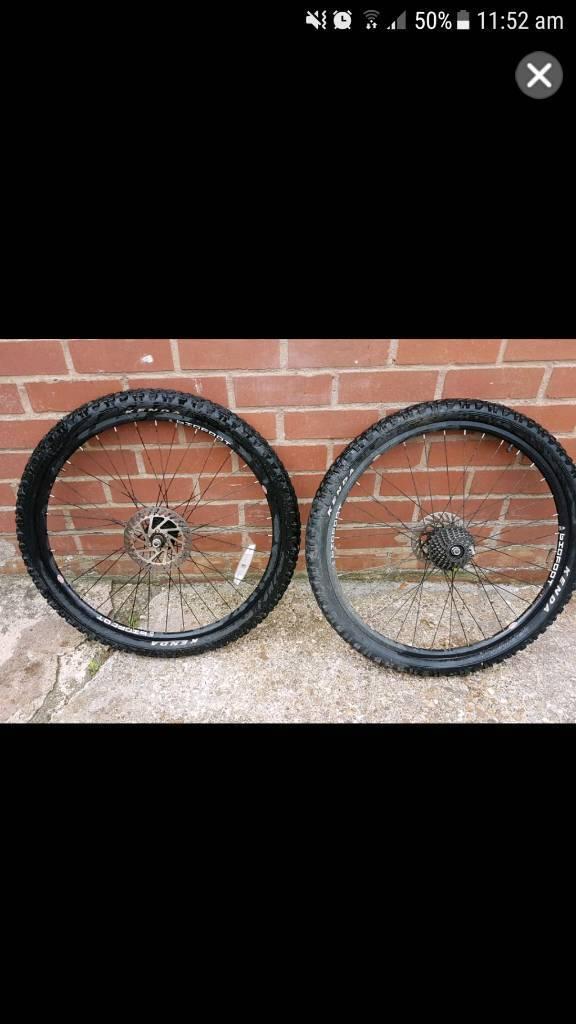 2 mountin bike tires