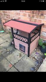 Cat house (Almost New)