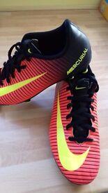 Kids nike football boots size 4.5