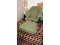 Fantastic retro Womb Chair with matching footstool