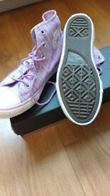 Brand New In Box Girl's Converse Boots/Trainers Size 1 (UK)