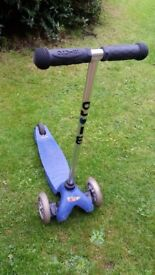 blue Mini Micro Scooter in good working condition