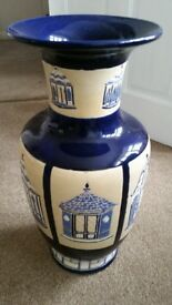 LARGE LOVELY ORIENTAL THEMED RARE VASE/UMBRELLA STAND