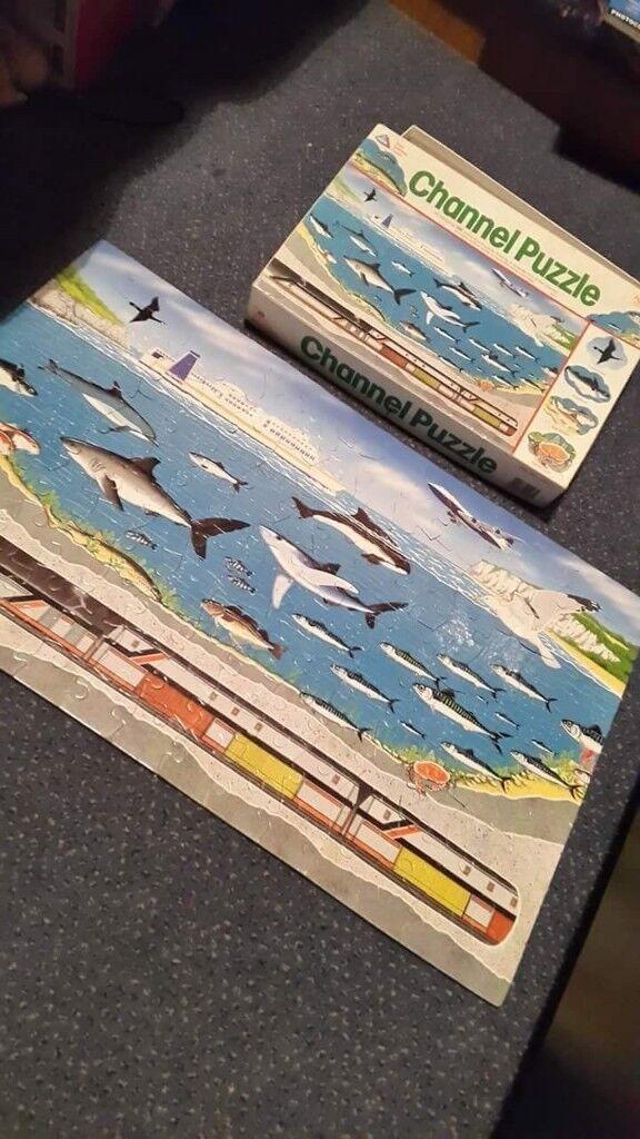 Jigsaw of the channel ocean