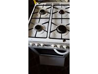 white 4 hob cooker