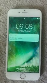 Iphone 6, silver, 16 gb, o2, very good condtion, with brand new screen.