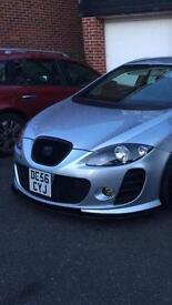 Seat Leon FR BTCC black front lip splitter/diffuser