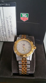 Very well presented TAG HEUER mid-size 2000 Series bracelet watch.