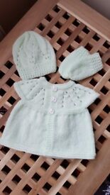 NEW pale green hand knitted top, hat and mittens for baby 0-3months