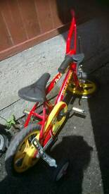RALEIGH BIKE WITH STABILISERS