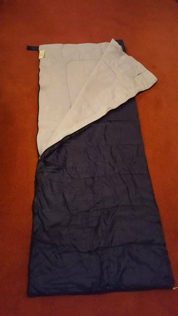Sleeping bag in excellent condition - complete with storage bag.