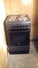 Black cooker only used for 6 month in excellent condition. Cost 299.00 new.