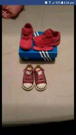Toddler trainers size 3
