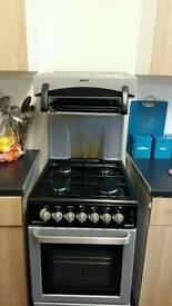 Gas freestanding cooker
