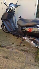 125cc Peugeot vivicity moped