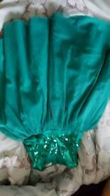 Girls sparkly dress great