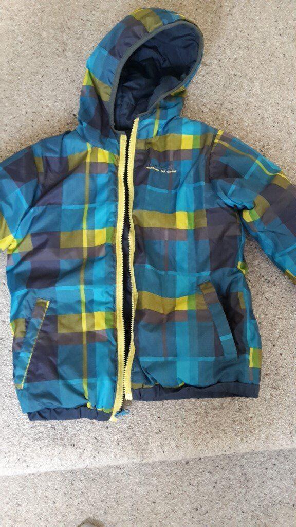 Age 9-10 Dare 2b ski Jacket reversable