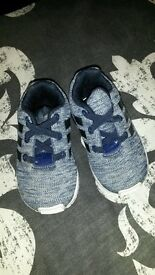 Baby size 4 trainers hardly worn! (nike,Adidas & converse)