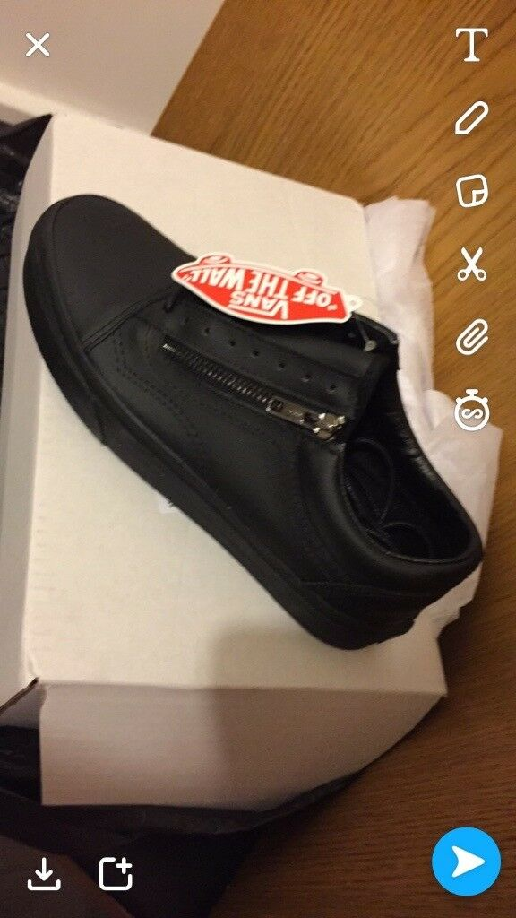 Vans uk 6 trainers brand new boxed