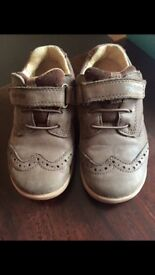 Boys start-rite super soft hugo brown leather shoes size 8G