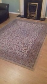 Patterned rug ornate detail good condition