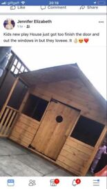 Kids wood house no rot 12 weeks old hardly used