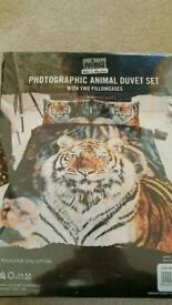 BNIB Kingsize Duvet Set RRP 25 Lion Tiger Wolf Animal Prints