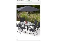 Hawaii 8piece outdoor table and chairs new boxed