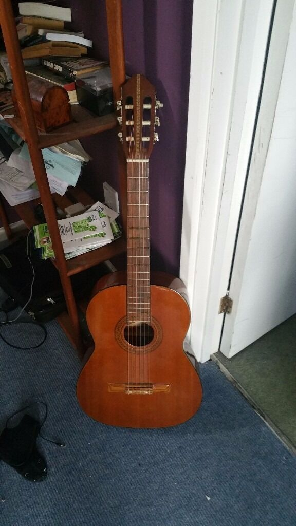 acoustic guitar free chromatic tuner was worth 20 in norwich norfolk gumtree. Black Bedroom Furniture Sets. Home Design Ideas