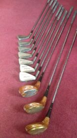 Set of left-handed golf clubs
