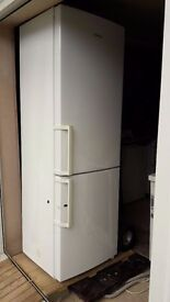 **SAMSUNG**FRIDGE FREEZER**ONLY £110**MORE AVAILABLE**BARGAIN**COLLECTION\DELIVERY**NO OFFERS**