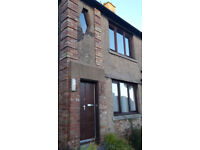 2 bed upper flat for rent