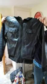 Men's hooded coat small